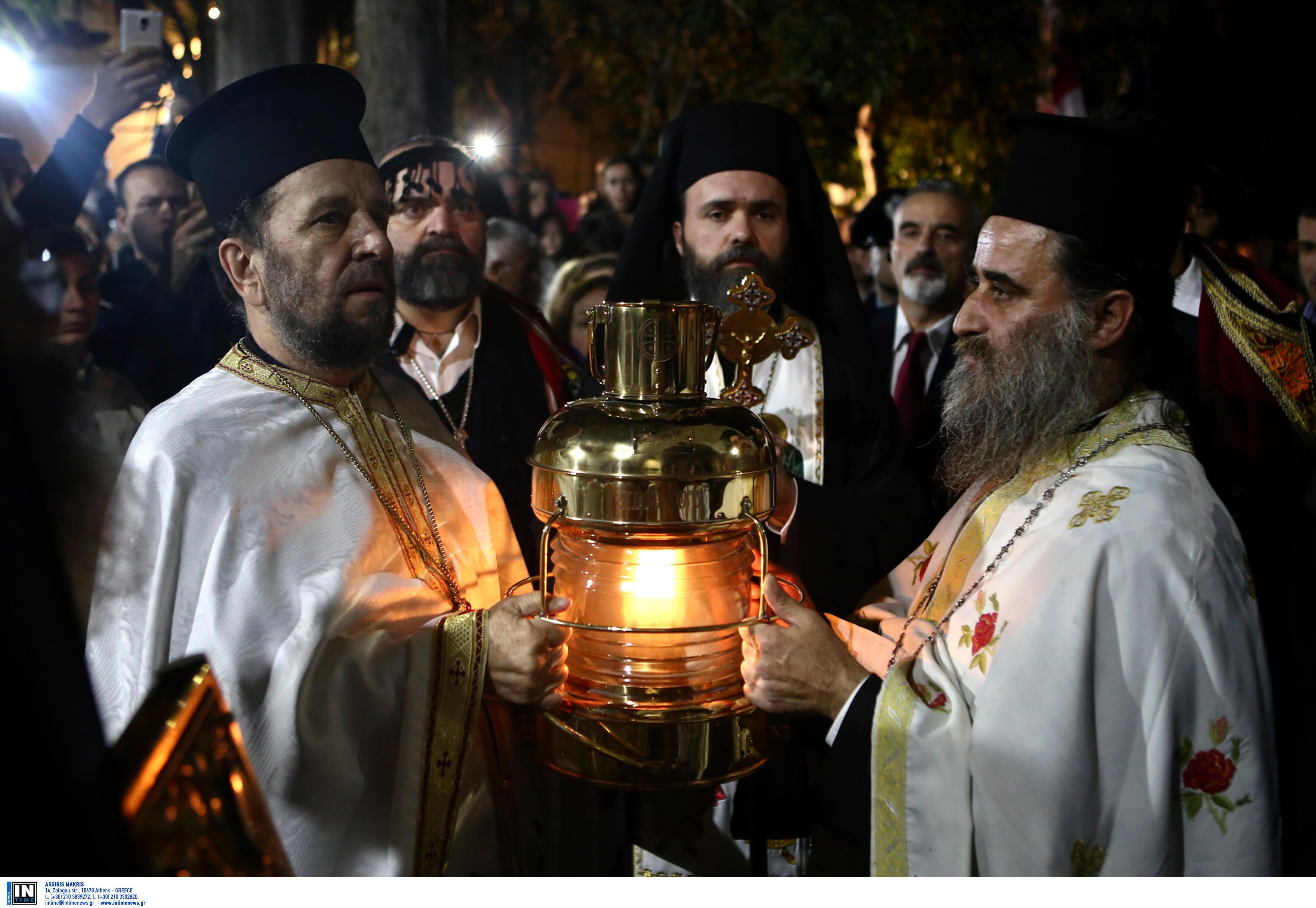 Πάσχα 2019: Στις 18.30 του Μεγάλου Σαββάτου φτάνει το Άγιο Φως στην Αθήνα