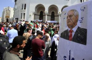 Αλγερία: «Ο χρόνος εξαντλείται – Ο στρατός εξετάζει όλες τις επιλογές»