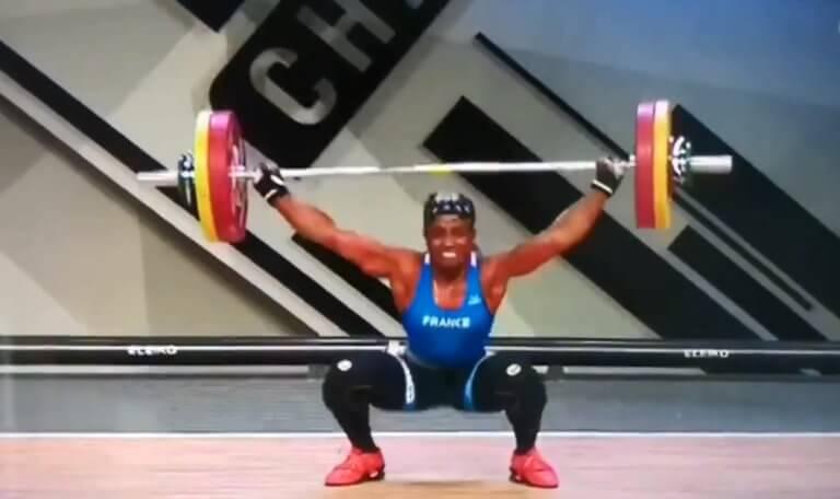 Τρομακτικός τραυματισμός στην Άρση Βαρών! «Διέλυσε» το χέρι της Γαλλίδα αθλήτρια (video)