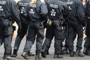Γερμανία: Ηλικιωμένος μπούκαρε με αυτοκίνητο σε εμπορικό κέντρο στο Αμβούργο