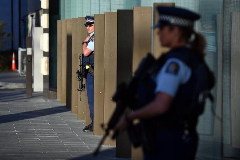 Συναγερμός στην Νέα Ζηλανδία: Ισχυρή αστυνομική δύναμη σε συνοικία στο Κράιστσερτς