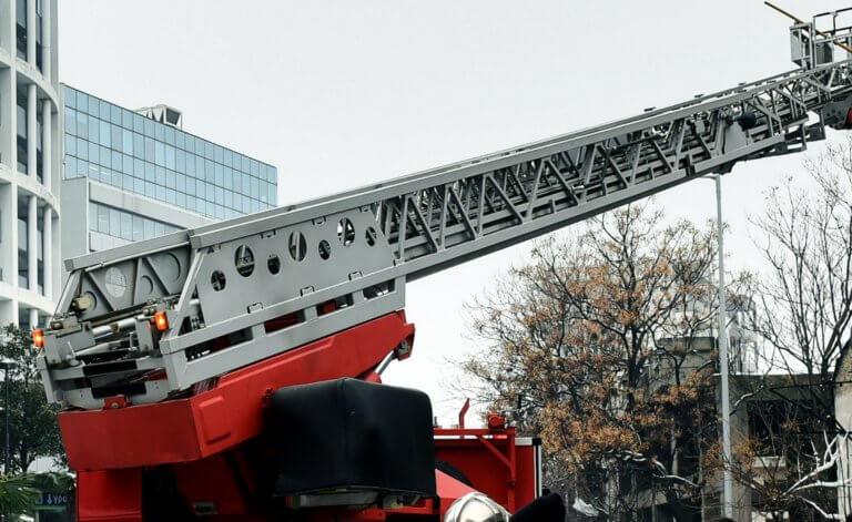 Για ατζαμή διαρρήκτη… στήθηκε επιχείρηση της Πυροσβεστικής!