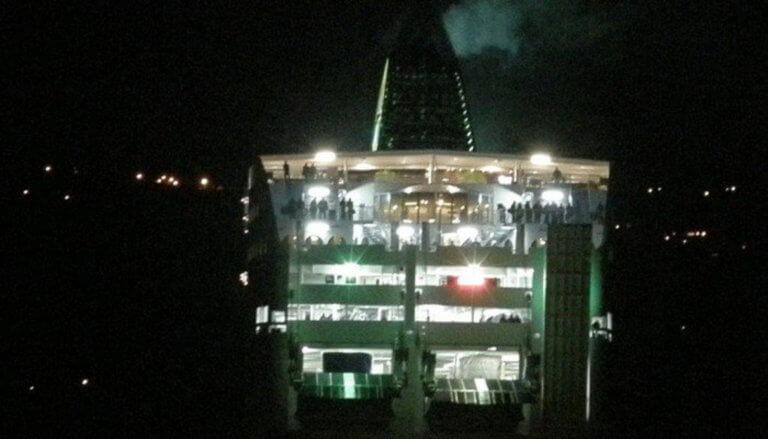 Κρήτη: Επέστρεψε άρον – άρον στην Σούδα το πλοίο «Blue Galaxy»
