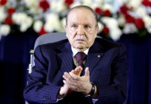 Αλγερία: Κλονίζεται η χώρα – Ο στρατός ζητά από τον πρόεδρο Μπουτεφλίκα να αποχωρήσει!