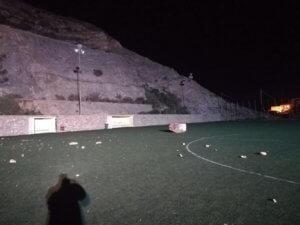 Σύρος: Ο βράχος έπεσε στα… κεφάλια τους και σώθηκαν από θαύμα! Εικόνες που σοκάρουν
