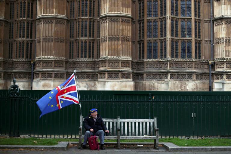 "Brexit: Συνεχίζονται οι επαφές κυβέρνησης – Εργατικών! ""Δεν υπάρχουν κόκκινες γραμμές"""