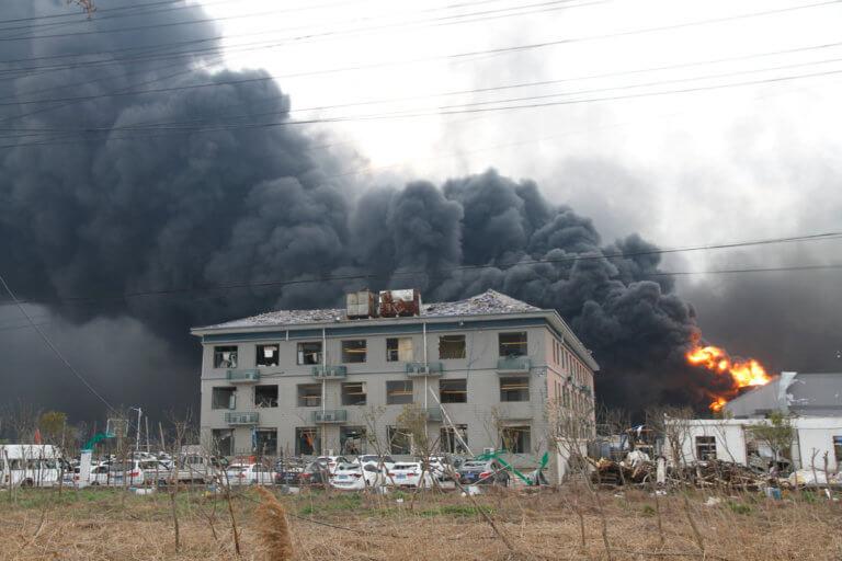 Πύρινη κόλαση στην Κίνα – Δέκα νεκροί από φωτιά σε φαρμακοβιομηχανία