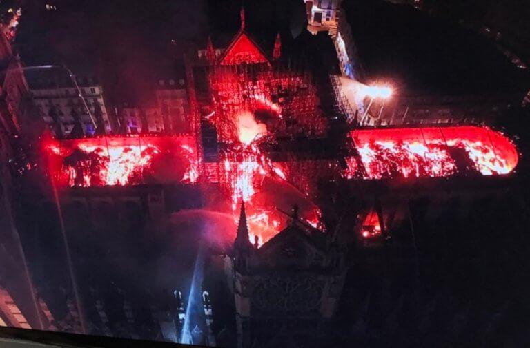 Παναγία των Παρισίων: Η κόλαση επί της Γης! Εικόνες σοκ από drone