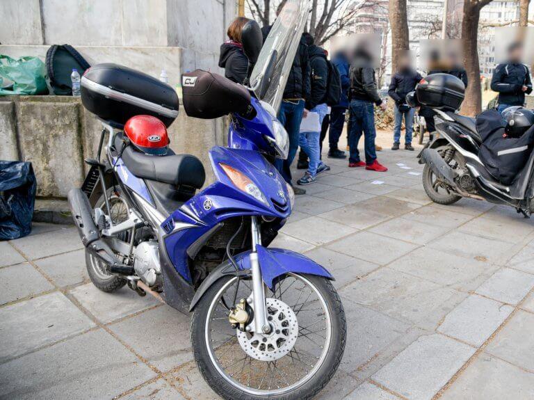 Στους δρόμους ντελιβεράδες, κούριερ και ΠΟΕΔΗΝ – Έμφραγμα στο κέντρο της Αθήνας