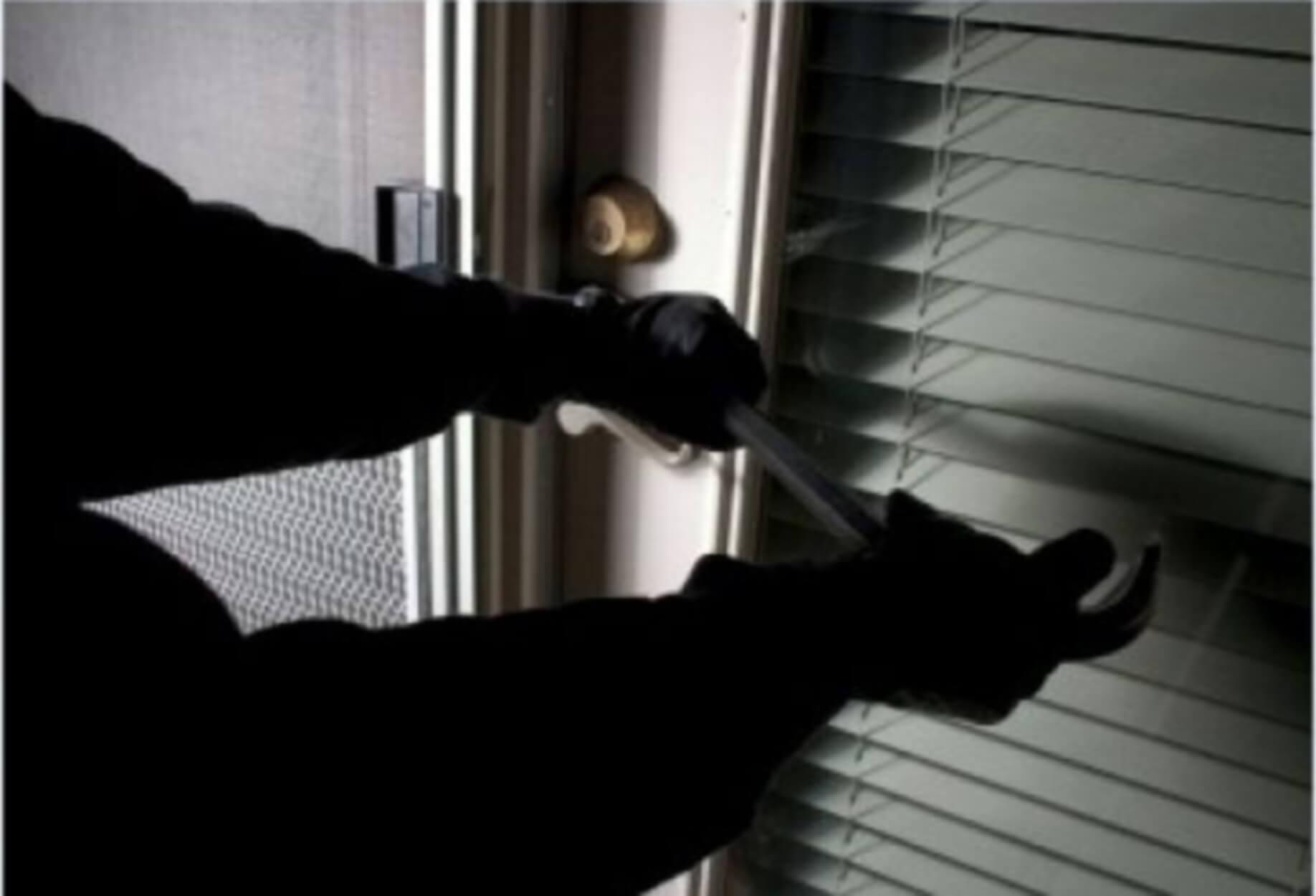 Αγία Παρασκευή: Κουκουλοφόροι μπούκαραν σε σπίτι – Τρόμος για τους δύο ενοίκους