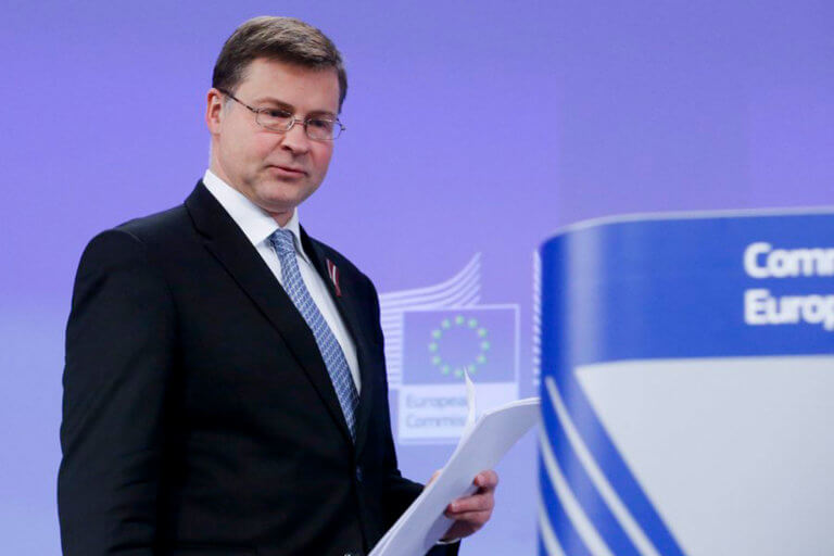 Ντομπρόβσκις: Είμαστε ανοιχτοί για το αφορολόγητο, όπως και για τις συντάξεις