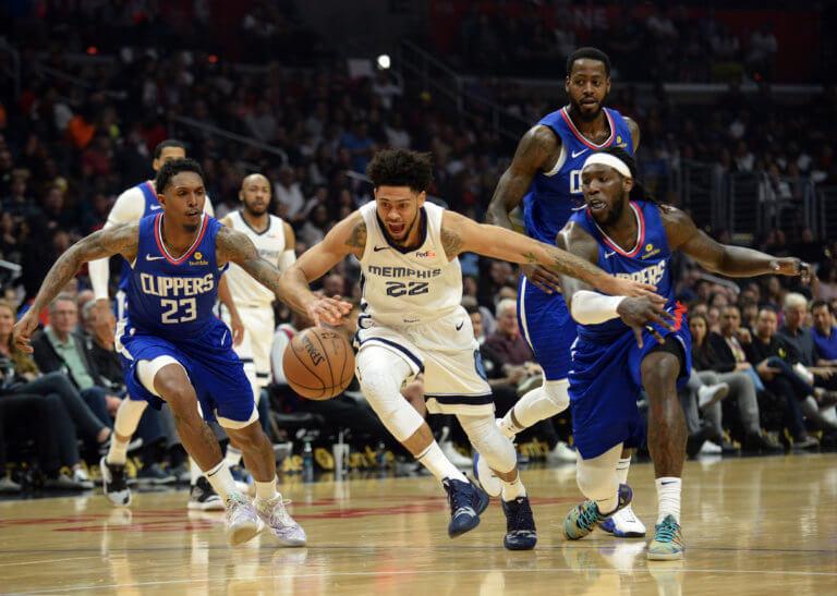 NBA: Οι Ντόρσεϊ και Μήτρου-Λονγκ νίκησαν τους Αντετοκούνμπο και Κουφό – video