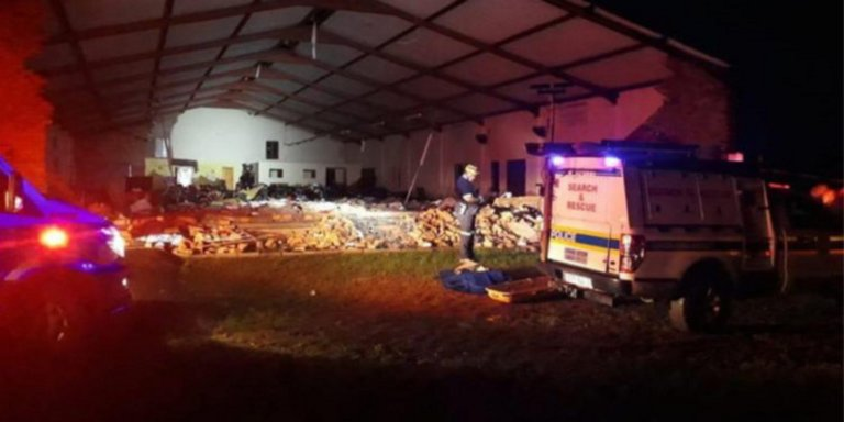 Tραγωδία στη Νότια Αφρική – 13 νεκροί και 16 τραυματίες από κατάρρευση εκκλησίας