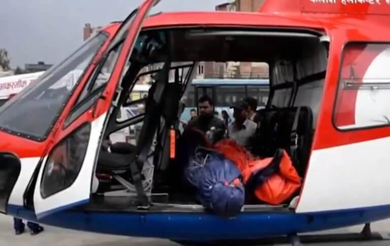 Έβερεστ: Σύγκρουση ελικοπτέρου με αεροπλάνο – Τρεις νεκροί – video