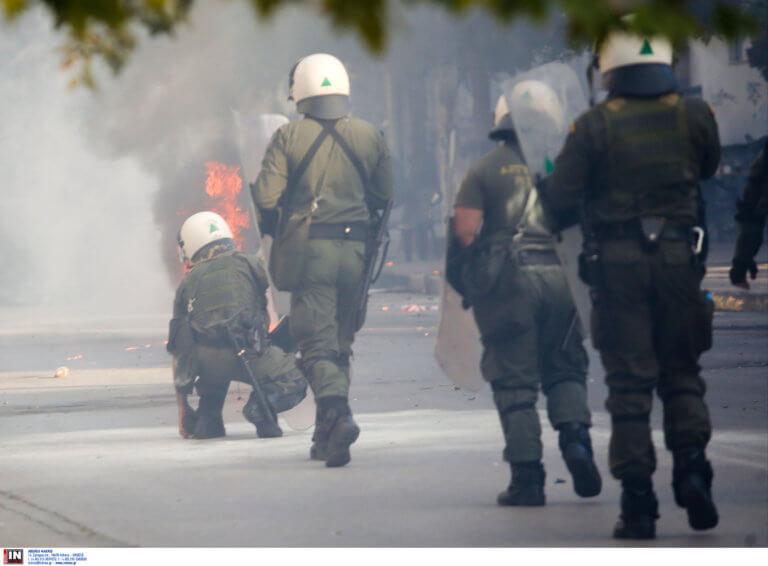 Φθιώτιδα: Αιματηρή ενέδρα σε οπαδούς της ΑΕΚ – Πετάχτηκαν από βανάκια και άρχισαν να μαχαιρώνουν!