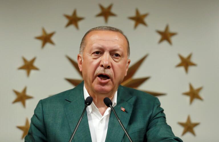 Ερντογάν: Δεν μπορούν να μας κάνουν μαθήματα όσοι δέχονται πραξικοπηματίες