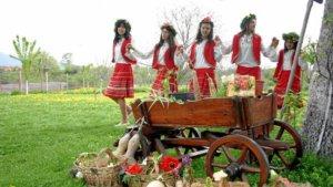 Σάββατο του Λαζάρου: Κάλαντα – έθιμα Λαζαρίνες και «λαζαράκια»