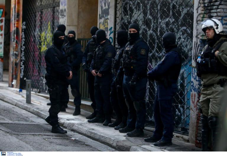 Εξάρχεια: Νέα επιχείρηση της αστυνομίας σε υπό κατάληψη κτίρια