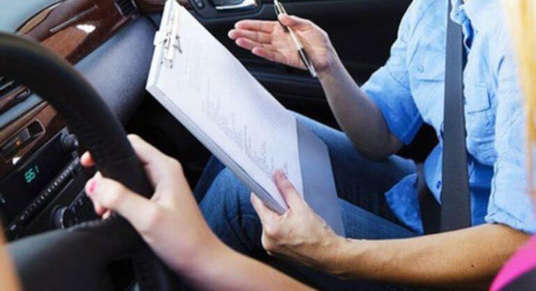 Διπλώματα οδήγησης: Ξεκινούν ξανά οι εξετάσεις των υποψήφιων οδηγών