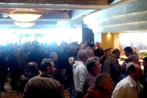 ΓΣΕΕ – Επεισόδια: Υπό κατάληψη παραμένει το ξενοδοχείο μετά το άγριο ξύλο!