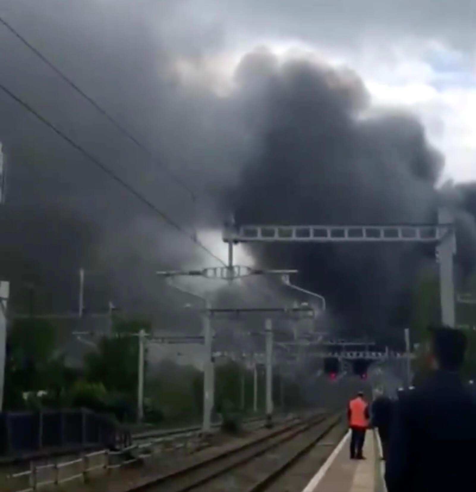 Φωτιά κοντά στο αεροδρόμιο Χίθροου του Λονδίνου