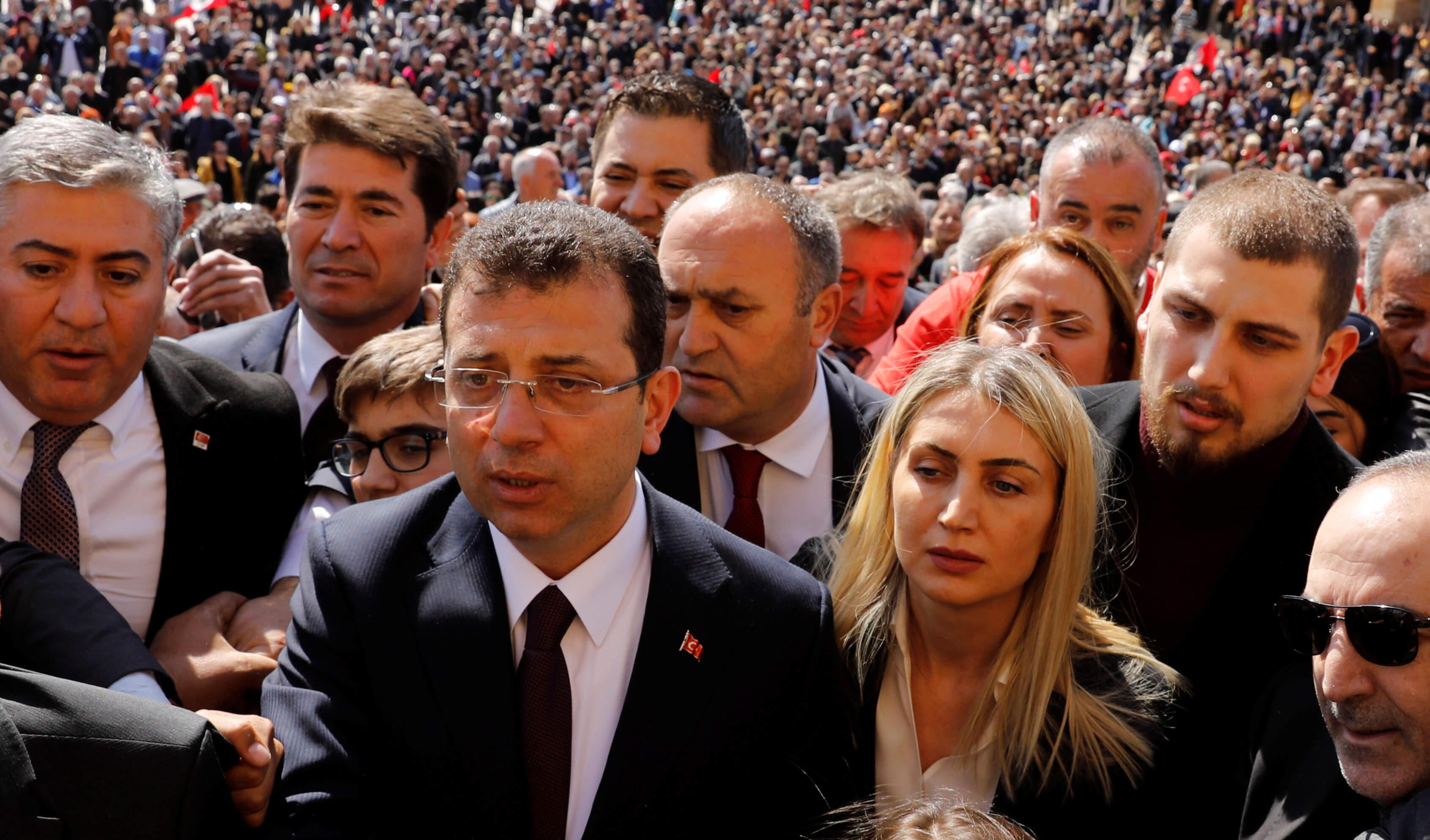 """Αποφασισμένος να """"πάρει την Πόλη"""" ο Ερντογάν! «Εγώ είμαι ο εκλεγμένος δήμαρχος» απαντά ο Ιμάμογλου!"""