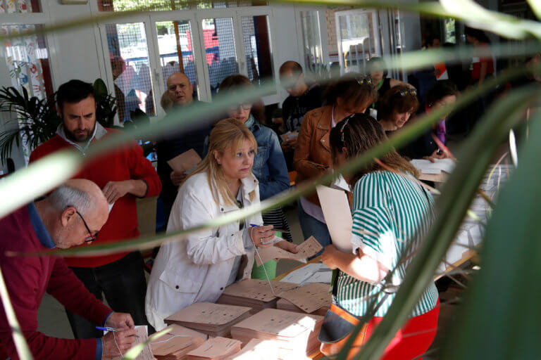 Ισπανία – Εκλογές: Μεγάλη η συμμετοχή των πολιτών