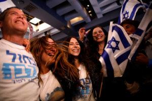 Εκλογές στο Ισραήλ: Στήθος με στήθος η μάχη Νετανιάχου – Γκαντζ!