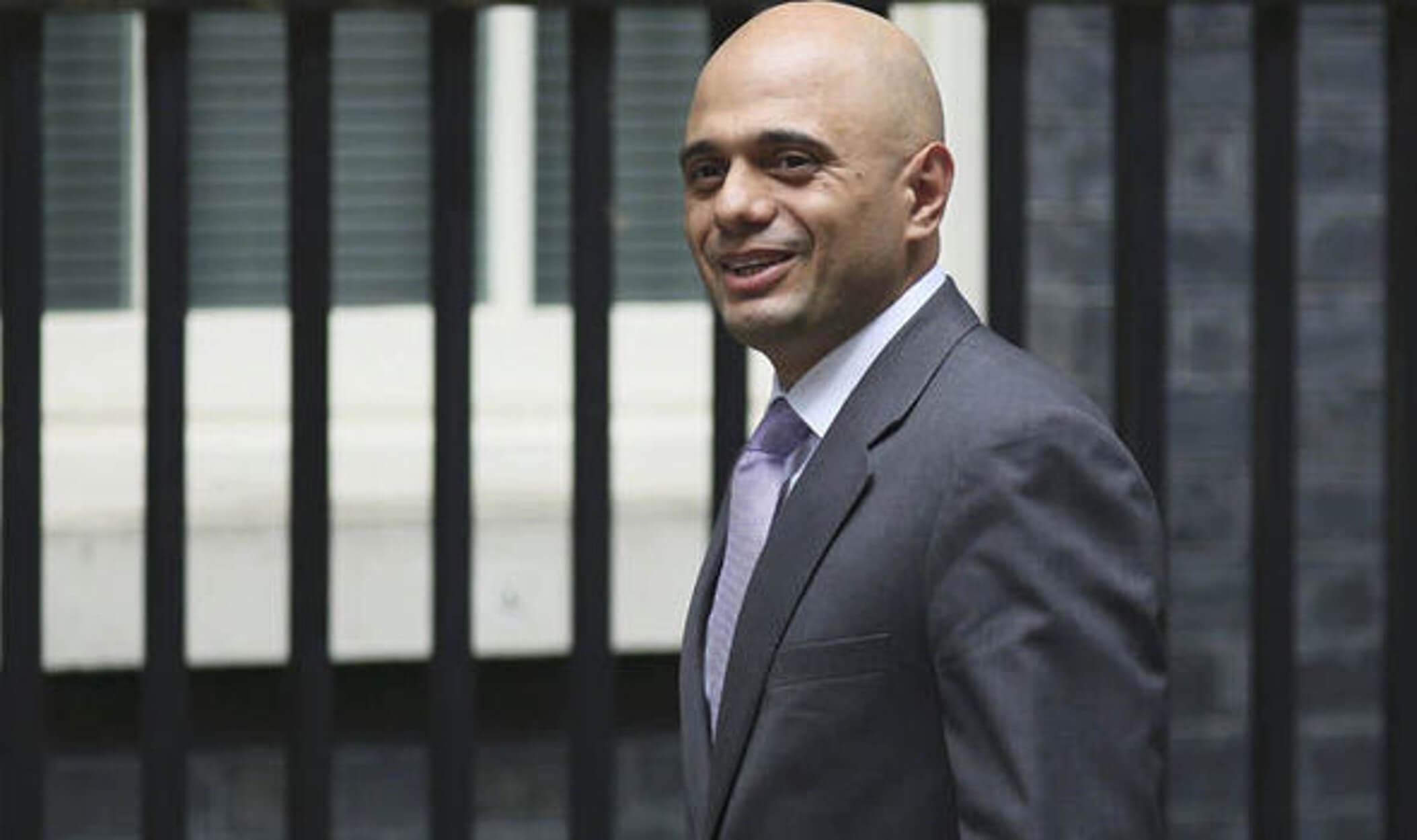 Βρετανία: Ο υπ. Εσωτερικών ζητά σκληρή αστυνομική στάση απέναντι στους διαδηλωτές