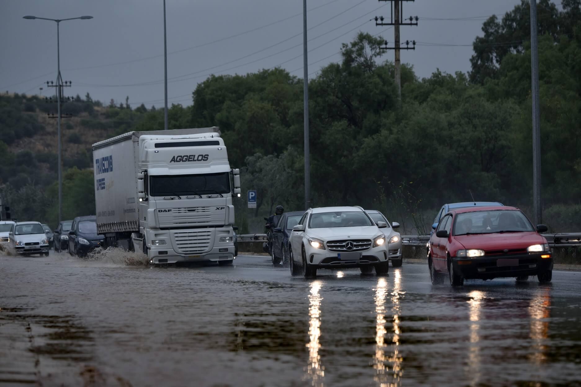 """Τα... """"τρελά"""" του συνεχίζει ο καιρός - Καταιγίδες θα ξεσπάσουν στην ηπειρωτική Ελλάδα και την Κρήτη!"""