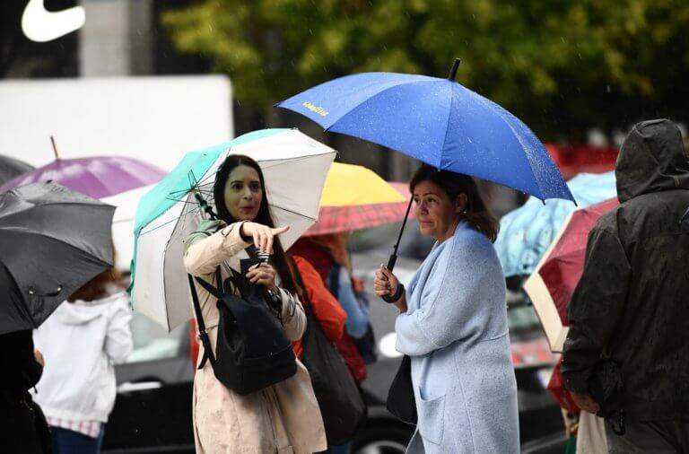 Καιρός σήμερα: Βροχές, καταιγίδες και θυελλώδεις άνεμοι – Πού θα είναι ισχυρά τα φαινόμενα!