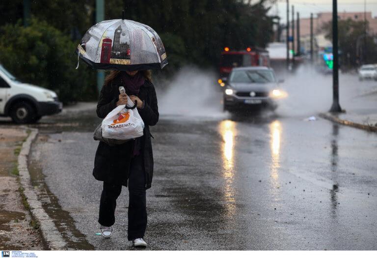 Καιρός: Βροχερό σήμερα το σκηνικό – Σε ποιες περιοχές θα είναι έντονα τα φαινόμενα