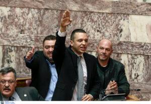 Εκλογές 2019: «Σκοτωμός» για τα εκλογικά περίπτερα στην Αθήνα! Έξαλλος ο Κασιδιάρης
