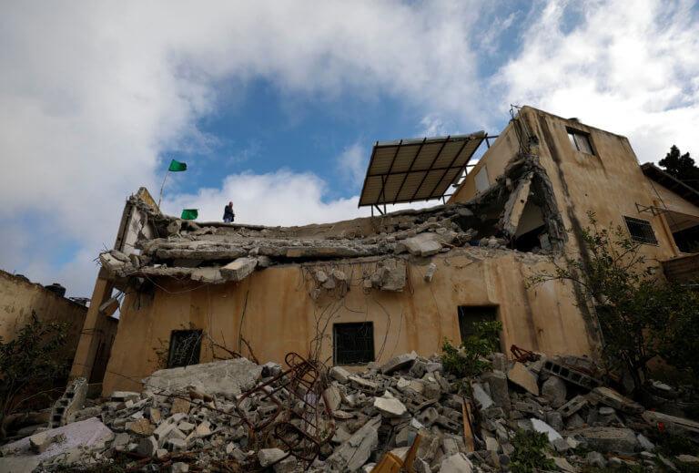 Ισραήλ: Ο στρατός κατεδάφισε σπίτι Παλαιστινίου στη Δυτική Όχθη [pics]