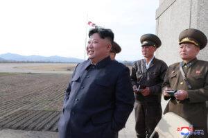 Βόρεια Κορέα: Ο Κιμ Γιονγκ Ουν επέβλεψε δοκιμή νέου τακτικού κατευθυνόμενου όπλου