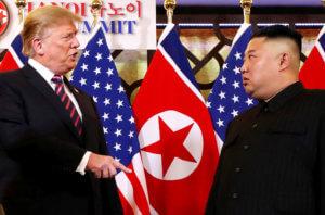 Γίνονται… αχώριστοι! Πιθανή μια νέα συνάντηση Τραμπ – Κιμ Γιονγκ Ουν