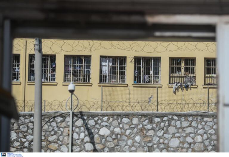 Τρίκαλα: Νεκρός κρατούμενος λίγο πριν αποφυλακιστεί – Τον σκότωσε στο ξύλο μέσα στις φυλακές!