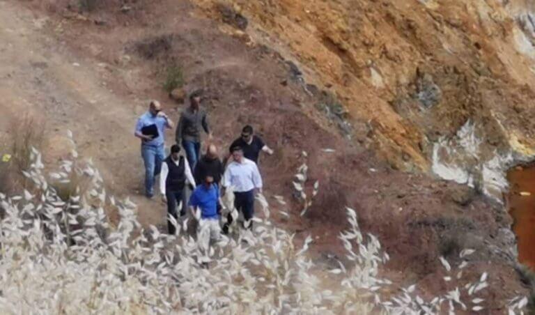 Κύπρος – δολοφονίες: Θρίλερ με κομμένη την ανάσα – Εντοπίστηκε βαλίτσα στον βυθό λίμνης
