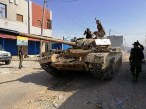 Λιβύη: 8000 άτομα έχουν εκτοπιστεί από την Τρίπολη εξαιτίας των εμφύλιων συγκρούσεων