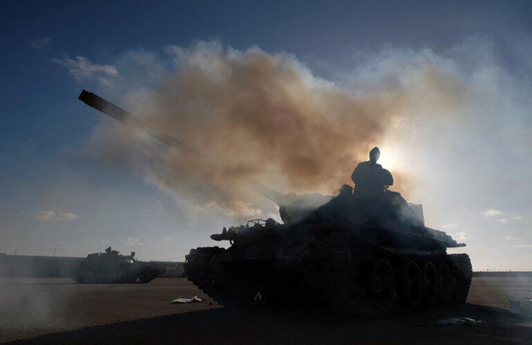 Λιβύη: Δύο νεκροί και οκτώ τραυματίες από ρουκέτες που έπληξαν την Τρίπολη