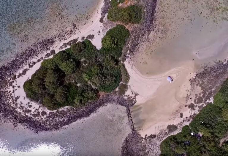Λιχαδονήσια: Οι Μπαχάμες της Ελλάδας και η βίαιη πλευρά τους
