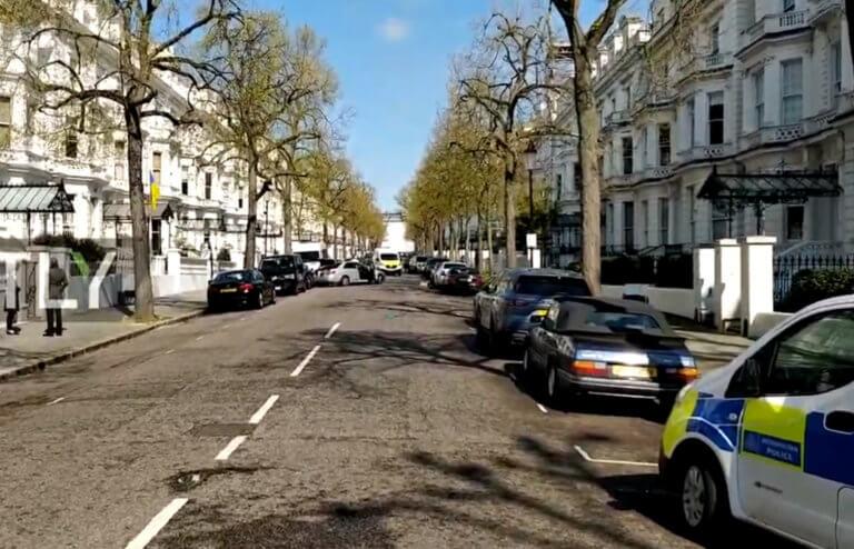 «Συναγερμός» στο Λονδίνο – Πυροβολισμοί κοντά στην Ελληνική πρεσβεία