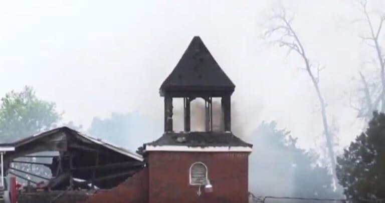 Τι χρονιά έχουμε; Γιος βοηθού σερίφη πυρπόλησε τρεις εκκλησίες αφροαμερικανών!
