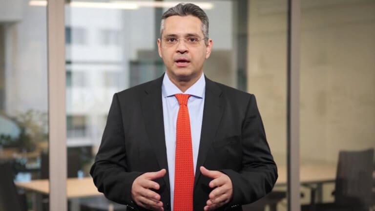 Μαστρογεωργίου: Το σκάνδαλο Πετσίτη – Αρτεμίου πρέπει να διερευνηθεί