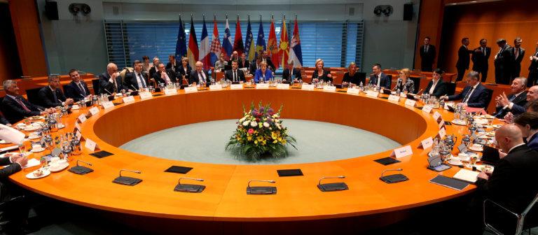 Εύσημα Μέρκελ – Μακρόν σε Τσίπρα – Ζάεφ για την Συμφωνία των Πρεσπών!