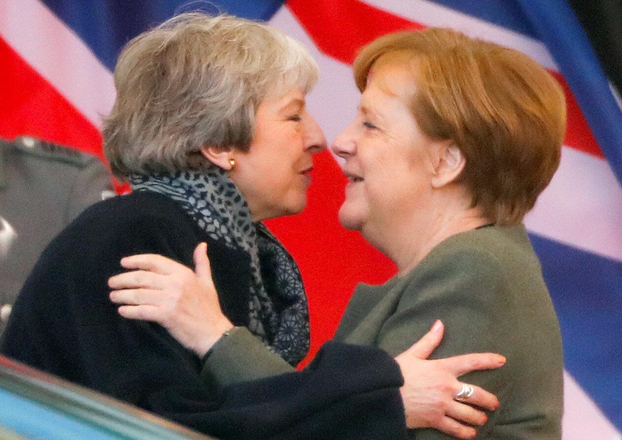 Brexit: Εγγλέζα η Μέι, άργησε η Μέρκελ!