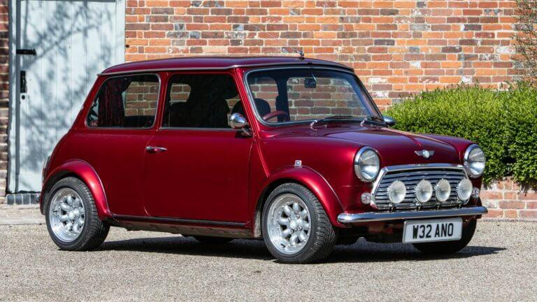 Ποιος διάσημος τραγουδιστής είχε Mini Cooper με ενσωματωμένο… minibar! [pics]