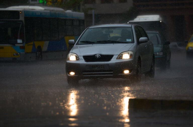 Καιρός σήμερα: Έρχεται νέο κύμα κακοκαιρίας – Ισχυρές βροχές και καταιγίδες!