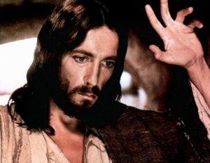 «Ο Ιησούς από τη Ναζαρέτ» – Η θρυλική σειρά που δημιουργήθηκε με έμπνευση του Πάπα – Ποιο ρόλο είχε ο Γιώργος Βογιατζής
