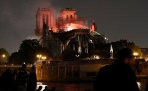 Παναγία των Παρισίων: Μόνο μια λέξη, θλίψη